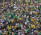 Brasileños exigen destitución de Rouseff en las calles