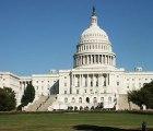 Sujeto aterriza su avioncito en el Capitolo de EEUU