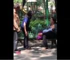 Por amamantar en público, mujer es agredida por pareja