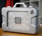 ¿Qué diablos contiene un maletín de Avengers?