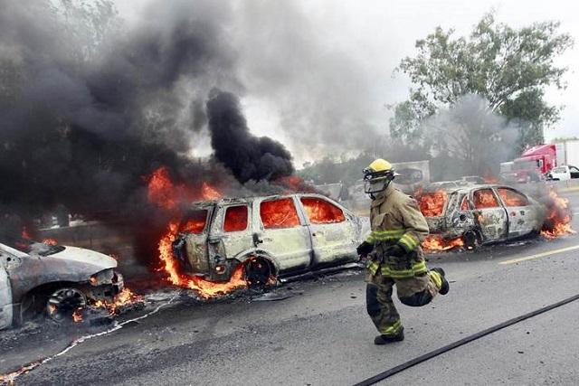 20825075. Guadalajara.-  La Secretaría de Seguridad Pública de Jalisco desplegó un fuerte operativo para la búsqueda de los causantes de varios bloqueos en diferentes puntos de esta entidad. NOTIMEX/FOTO/LUIS FERNANDO MORENO/FRE/WAR/