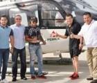 Usan helicóptero de Pemex para pasear a JC Chávez... y patrulla para foto de modelos