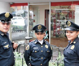 mujeres-policias-as-is