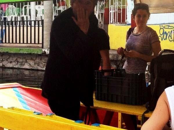 Tim Burton en Xochimilco (2)