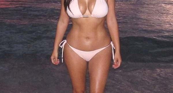 kim_kardashian_bikini_playero_1