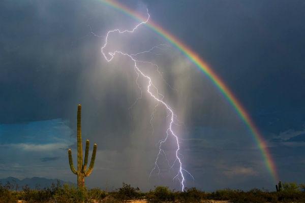 rayo y arcoiris