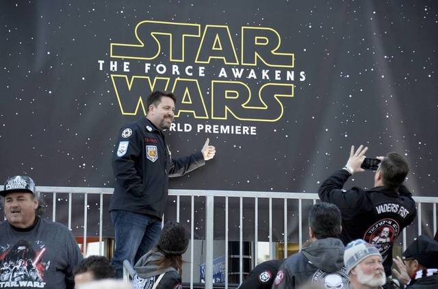 "Fans take pictures at the premiere of ""Star Wars: The Force Awakens"" in Hollywood, California, December 14, 2015. REUTERS/Kevork Djansezian"
