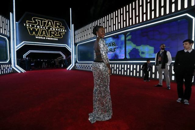 "Actress Lupita Nyong'o arrives at the premiere of ""Star Wars: The Force Awakens"" in Hollywood, California December 14, 2015. REUTERS/Mario Anzuoni"