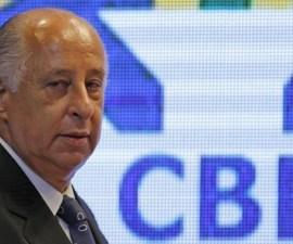 El presidente de la Confederación Brasileña de Fútbol (CBF), Marco Polo Del Nero, llega a una coneferencia de prensa en Río de Janeiro