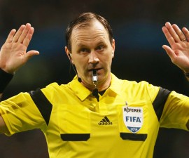 Referee Jonas Eriksson