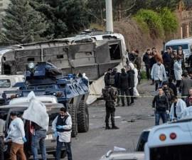policias-furgoneta-turquia--620x349