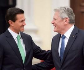 60411001. Berlín, 11 Abr. 2016 (Notimex-Presidencia).- El mandatario mexicano Enrique Peña Nieto, durante la Ceremonia Oficial de Bienvenida que le ofreció Joachim Gauck, presidente de la República Federal de Alemania. NOTIMEX/FOTO/PRESIDENCIA/COR/POL/