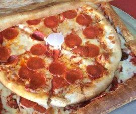 caja-pizza-hecha-de-pizza