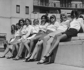 minifalda-falda-prohibicion-ropa
