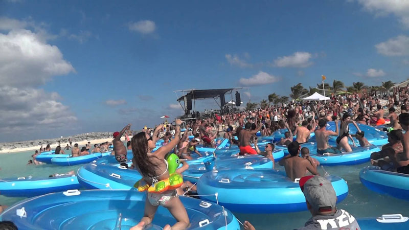 Mad-Decent-Beach-party