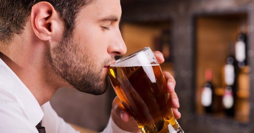bebiendo-cerveza