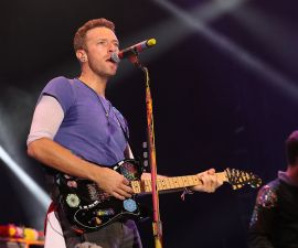 LONDON, ENGLAND - JUNE 28:  Chris Martin from Coldplay performs on stage during the Sentebale Concert at Kensington Palace on June 28, 2016 in London, England. Sentebale was founded by Prince Harry and Prince Seeiso of Lesotho over ten years ago. It helps the vulnerable and HIV positive children of Lesotho and Botswana.  (Photo by Chris Jackson/Getty Images)