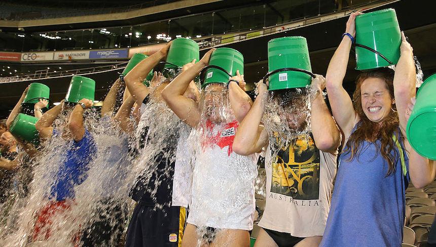 El reto de baldazo de agua tuvo resultados positivos