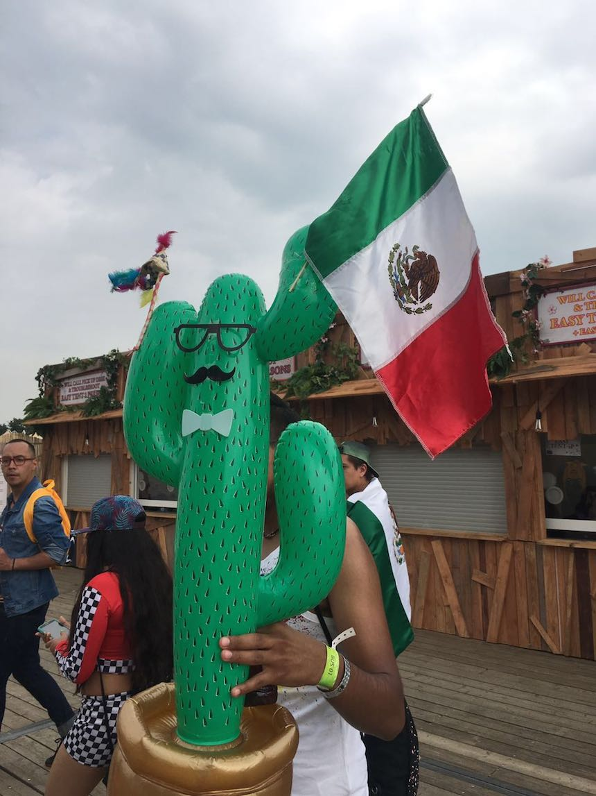 mexicanos-tomorrowland-16-2