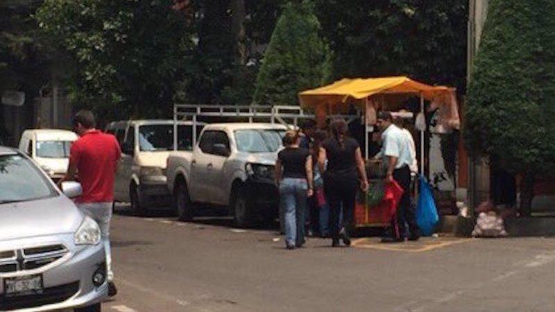 ambulante-economia-informal-puesto-vendedor