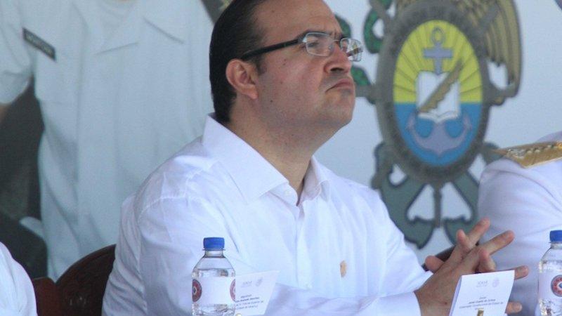 Diputados del PRI defienden a Javier Duarte