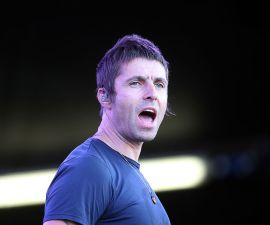 Liam Gallagher anunció que prepara un disco solista, tras firmar un contrato discográfico con Warner Brothers