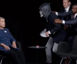 La candidata demócrata, Hillary Clinton, habló sobre Trump en una entrevista con el actor Zach Galifianakis
