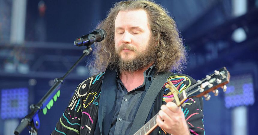 Jim James de My Morning Jacket anunció nuevo disco.