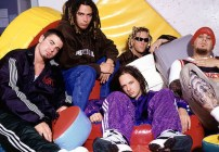 Korn compartió una nueva canción con Corey Taylor de Slipknot