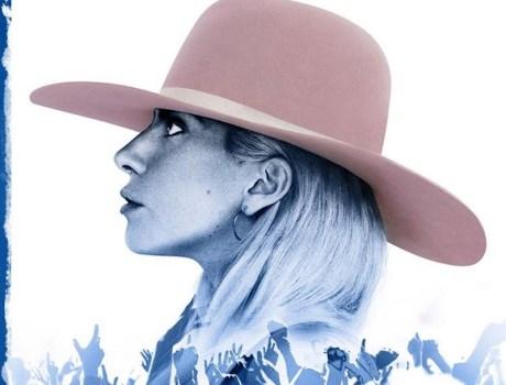Lady Gaga sin logo de Pepsi