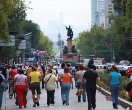 Frente Nacional por la Familia y asociaciones a favor del matrimonio igualitario se manifiestan este sábado en la Ciudad de México