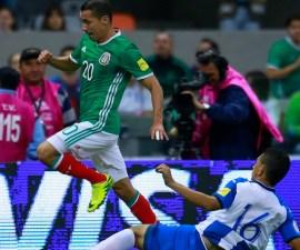 México y Honduras durante un partido de las eliminatorias