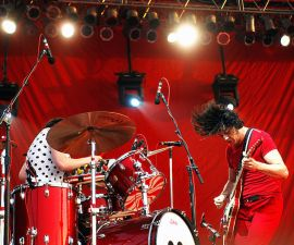 The White Stripes lanzan playera en contra de Donald Trump