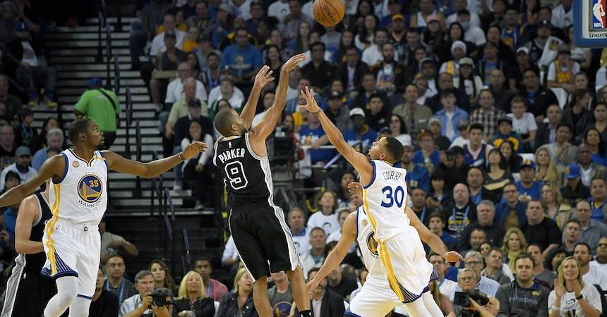 Tony Parker y los San Antonio Spurs sorprendieron a los Golden State Warriors