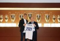 Cristiano Ronaldo firmó cinco años más con el Madrid