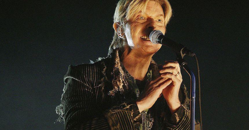 Colaboradores de David Bowie anuncian gira.