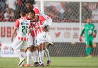 Necaxa festeja gol en Liguilla