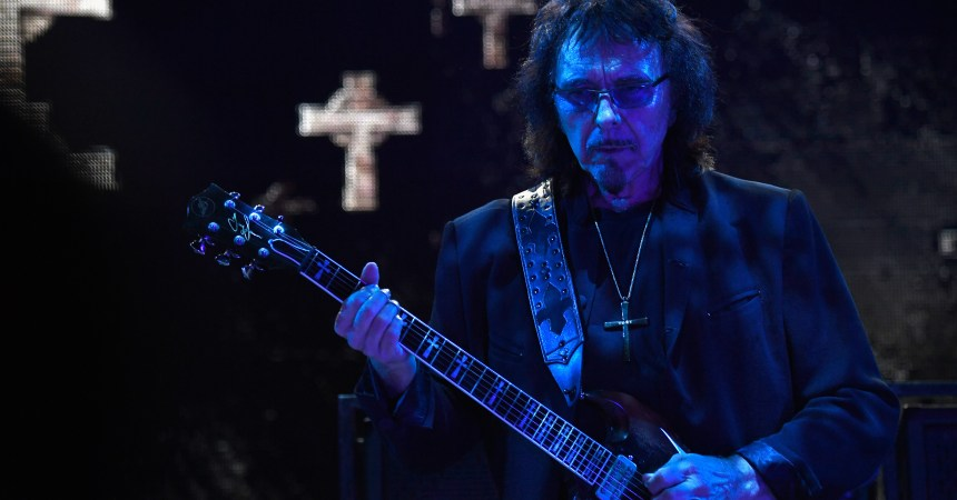 LOS ANGELES, CA - SEPTEMBER 24:  Tony Iommi of Black Sabbath performs at Ozzfest 2016 at San Manuel Amphitheater on September 24, 2016 in Los Angeles, California.  (Photo by Frazer Harrison/Getty Images for ABA)