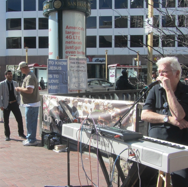 CHUCK GIRARD SINGS AND SEAN WITNESSES AT 5TH AND MARKET.
