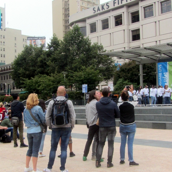 SHILOH CHURCH OAKLAND CHOIR SINGS AT UNION SQUARE