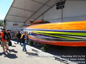 miamiinternationalboatshowthursdsay021110-007