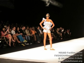miufashionmiamifriday031210-019