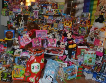 2013-Holiday-Party-Toys