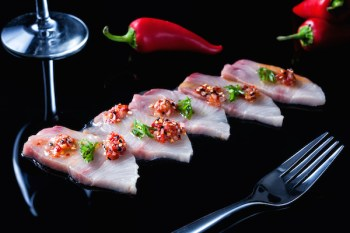 Apeiro-Miami-Hamachi-with-aji-panca-citrus-toasted-sesame-seed-aged-balasmic-photo-credit-Gyorgy-Papp