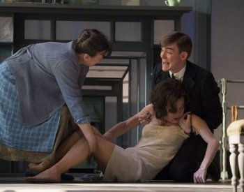 2._Marion_Bailey_Helen_McCrory_and_Hubert_Burton_in_The_Deep_Blue_Sea_FfGaBYu.jpg.420x330_q85_crop-smart