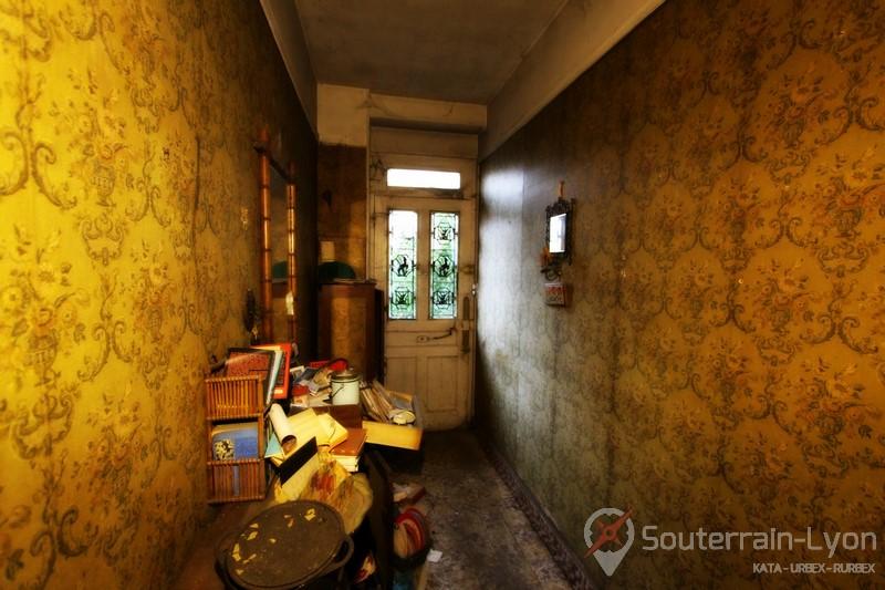 la maison de tante helene urbex rurbex souterrains de lyon. Black Bedroom Furniture Sets. Home Design Ideas