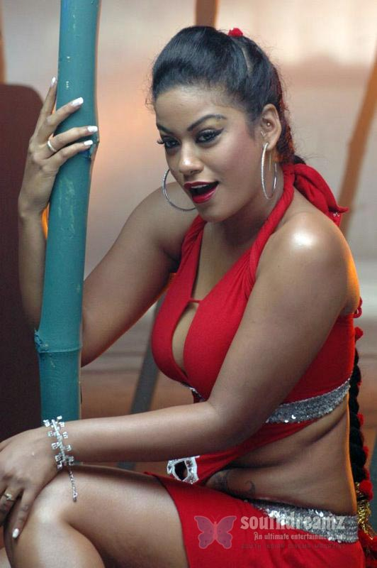 download mumaith khan glamour stills 32 Awesome Mumaith Khan photos