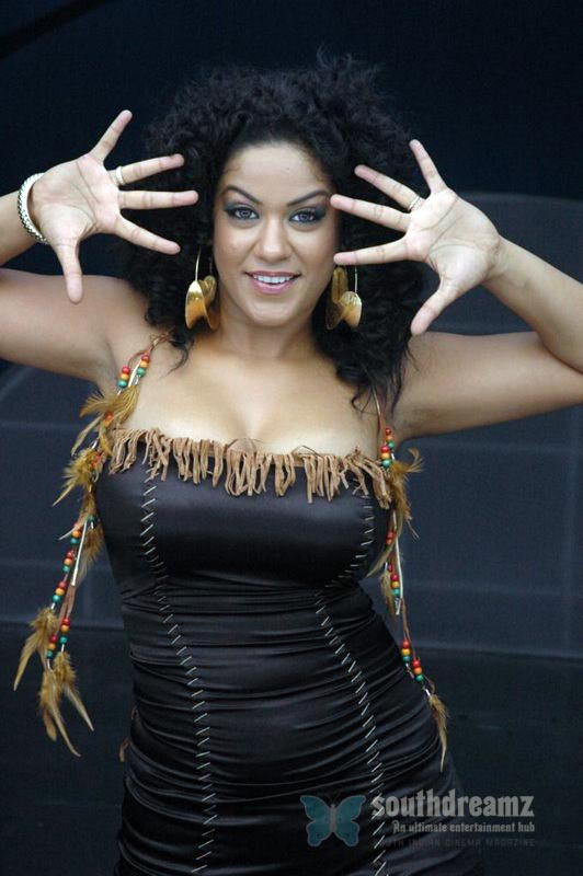 download mumaith khan glamour stills 36 Awesome Mumaith Khan photos