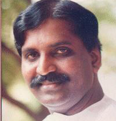 vairamuthu2 Lyricist Vairamuthu requests for good pronunciation!