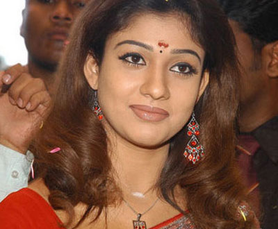 nayantara queen of kollywoo South Indian Queen Nayantara Eyeing Bollywood?